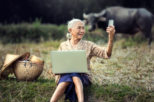 Elderly adapt to technology